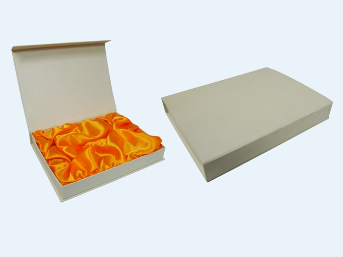 Gift Box Hk : Gift box jewellery by hung lam printing and paper